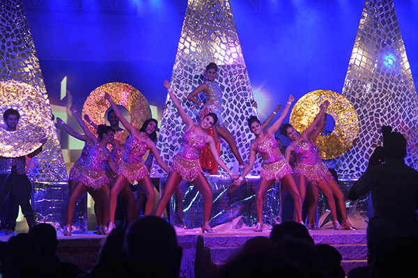 Shiamak Davar dancers at Utsav
