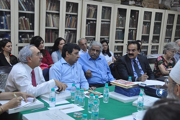 (From left) Nadir Godrej, Maneck  Davar, Dinshaw Mehta and Arvind Mayaram at Jiyo Parsi meet